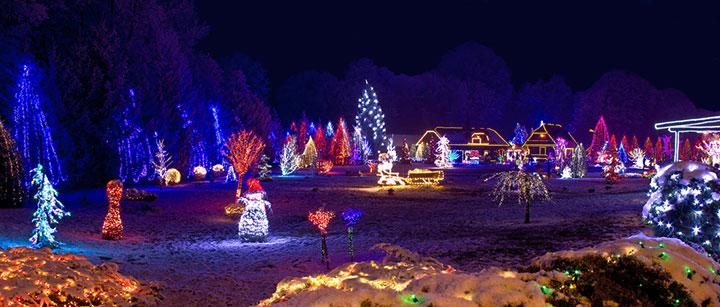 Amerikanische Weihnachtsbeleuchtung.Haus Mit Spektakulärer Weihnachtsbeleuchtung Show Mit Musik