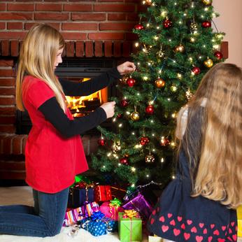 Warum Wird Der Weihnachtsbaum Geschmückt.Weihnachtsbaum Schmücken Christbaum Dekoration